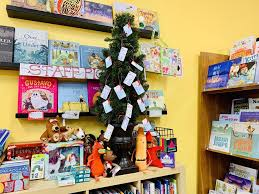 Bookstore S Book Angel Program Ensures Kids In Need Receive Books For The Holidays