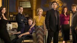 La actriz de Smallville que lideró una secta sexual: esclavas, mujeres  marcadas a fuego y orgías - Infobae