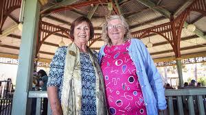 Barbecue connects seniors | Kalgoorlie Miner