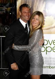 """Aaron Eckhart And Jennifer Aniston At The World Premiere Of """"Love ..."""