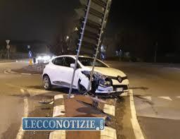 Scontro fra due auto: incidente a Olginate in via Milano - Lecco Notizie