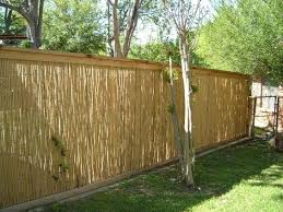Cheap Fence Ideas To Embellish Your Garden And Your Home Diy Privacy Fence Cheap Privacy Fence Backyard Fences