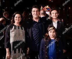 Director Noam Murro center family attend premiere Editorial Stock ...