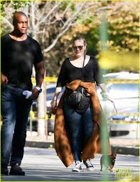 Adele Visits the Zoo During Her Day Off in Toronto: Photo 3780260   Adele  Pictures   Just Jared