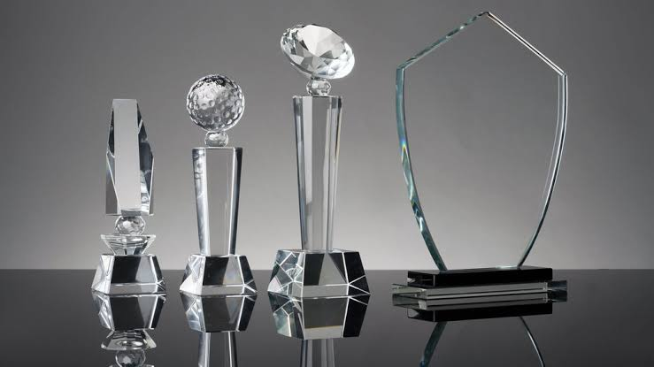 Factors that make sure Choosing Good Trophy or Supplier Award