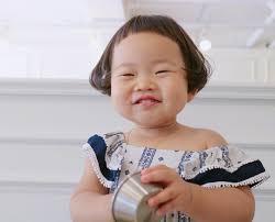 Cô nhóc Hàn Quốc có mái tóc