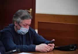 Было бы смешно, если бы не было так грустно: лучшие мемы про суд над  Михаилом Ефремовым