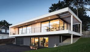 maison contemporaine au bord d un lac