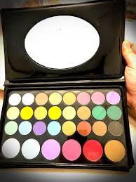professional makeup eyeshadow palette
