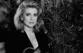 Manon 70 - Catherine Deneuve - 3x original press photos - Catawiki