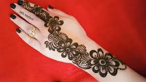 latest floral arabic mehndi designs for front hand