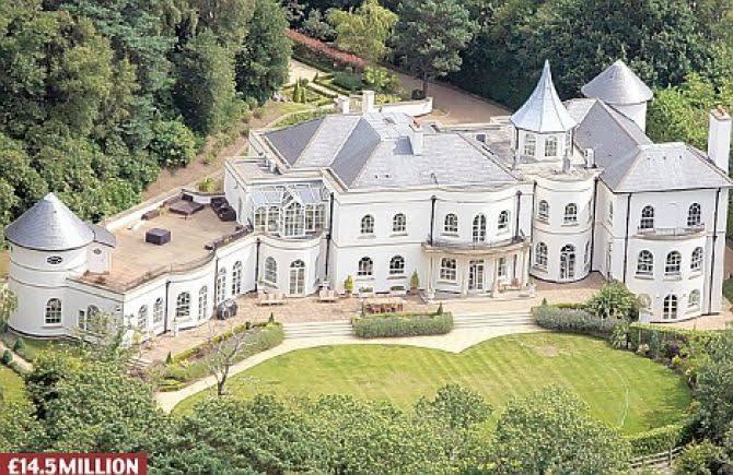 Rumah Mewah Pesepak Bola Dunia Didier Drogba.