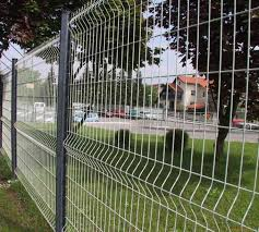 Powder Coating Triangular Bending Welded Mesh Fence Garden Fence Wire Mesh