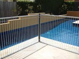 Temporary Pool Fencing Protects Construction Site From Danger