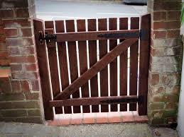 diy pallet garden gate 101 pallets