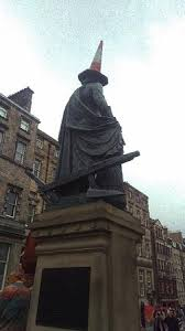 Adam Smith Statue - Picture of Adam Smith Statue, Edinburgh ...
