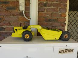1969 Mighty Tonka Scraper 3935 In A Poorly Hand Painted Condition With No Decals Or Headlights Tonka Toys Tonka Toy Trucks