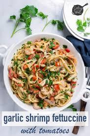 garlic shrimp fettuccine with tomatoes