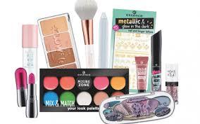 master 2018 s biggest makeup trends for