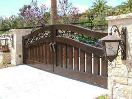 28 Awesome Driveway Gate Ideas To Impress Your Guests Wood Gates Driveway Entrance Gates Design Wooden Gates Driveway