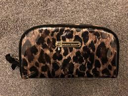 victoria s secret makeup bag in