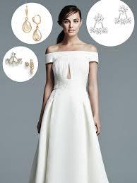 صور كيف تختارين الأقراط المناسبة لفستان زفافك مجلة سيدتي