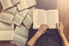 Manfaat Membaca Karya Ilmiah Seseorang