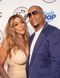 wendy williams files for divorce from