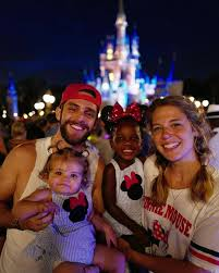 Thomas Rhett and wife Lauren's daughters Ada James, 10 months, and Willa  Gray, 2½, were twinning at Magic Kingdo… | Thomas rhett, Country singers,  Thomas rhett wife