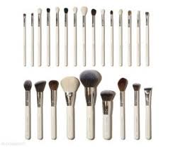 how much do your eyeshadow brushes