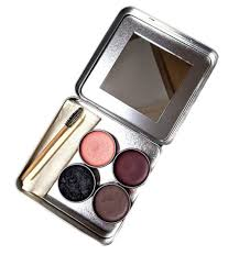 17 zero waste makeup brands going