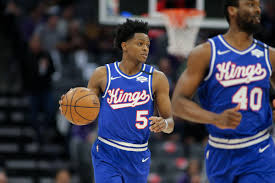De'Aaron Fox injury status: Kings PG will play Thursday vs. Thunder -  DraftKings Nation
