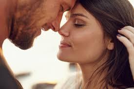 صور نظرات رومانسيه شعور الحب باجمل النظرات المعبره عن الرومانسيه