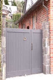 Uneven Split Wooden Gates Fences Driveway Gates Wooden Gate Manufacturers Auck Auck