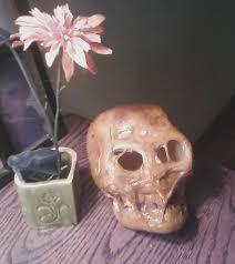 make a decaying mummy skull prop