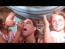 dory lip makeup design