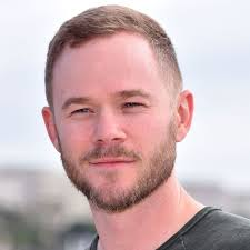Aaron Ashmore revealed that he will be... - Locke & Key France ...