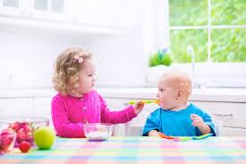 Trẻ 6 tháng tuổi có ăn được sữa chua không?