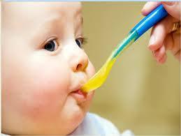 Trẻ sơ sinh ăn gì tốt nhất? - Giáo dục Việt Nam