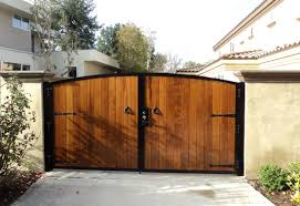 Wood Fencing And Gate Contractor Orange County Ca Residential And Commercial Fences And Gates