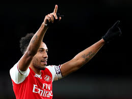 Pierre-Emerick Aubameyang provides ...