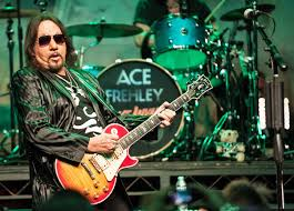 ace frehley of kiss plays the fremont