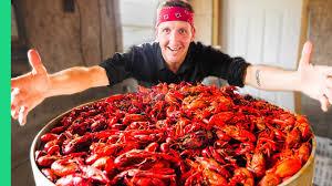 Epic Louisiana Crawfish Throw Down in ...