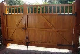 Pin By Richard Hair On Gate Design In 2020 Wood Gates Driveway Fence Gate Design Backyard Gates