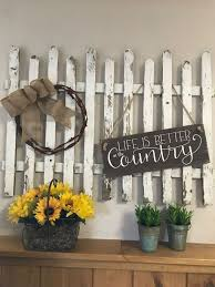 Popular Picket Fence Decoration Ideas You Have To Try Schlafzimmer Wohnung Hausdekor Dekoration Wohnide Fence Decor Picket Fence Decor Picket Fence Crafts