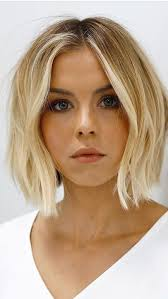 Pin by Hilary Renshaw on Getting the hair did | Thick hair styles, Wavy bob  hairstyles, Hair beauty