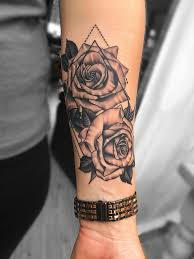 Roses Forearm Tattoo Backtattoos With Images Tatuaze Tatuaz