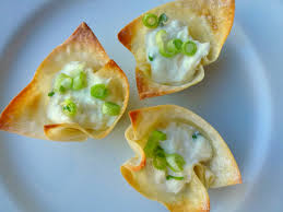 Hardly Housewives: Baked Crab Rangoon Cups
