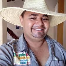 Resultado de imagem para martins de souz a é pre candidato a prefeito em caraubas