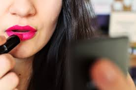 keep matte lipstick from drying out